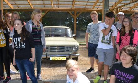 Skansen starych samochodów – Lędowo