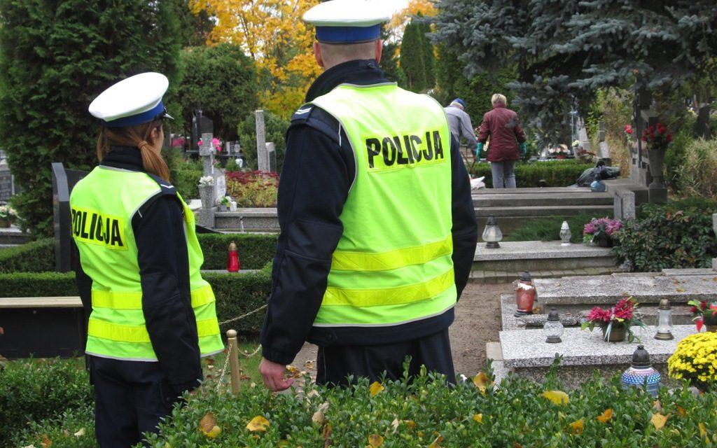 """Akcja """"Znicz"""". Zmiany w organizacji ruchu przy pruszczańskich cmentarzach."""