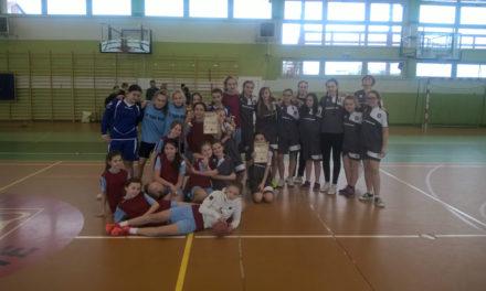 Powiatowy turniej piłki ręcznej dziewcząt