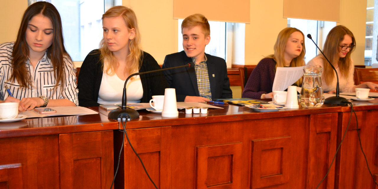 Młodzieżowa Rada Województwa Pomorskiego z udziałem przedstawicieli gminy Suchy Dąb