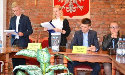 Wspólne posiedzenie Młodzieżowej Rady Gminy Suchy Dąb i Młodzieżowej Rady Województwa Pomorskiego  w Suchym Dębie – 2 czerwca 2017 roku.
