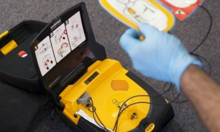 Defibrylator od Energi – będzie dbał o bezpieczeństwo na imprezach