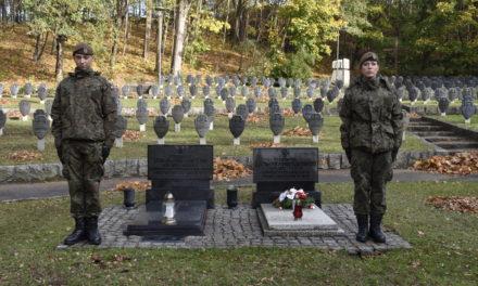 ŻOŁNIERZE WOJSK OBRONY TERYTORIALNEJ PAMIĘTAJĄ O POLSKICH BOHATERACH