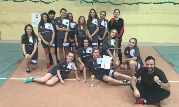 Dziewczęta z SP Suchy Dąb wygrały  półfinał wojewódzki w unihokeja