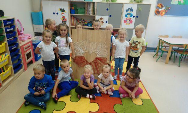 Serce dla Polski od przedszkolaków w Suchym Dębie