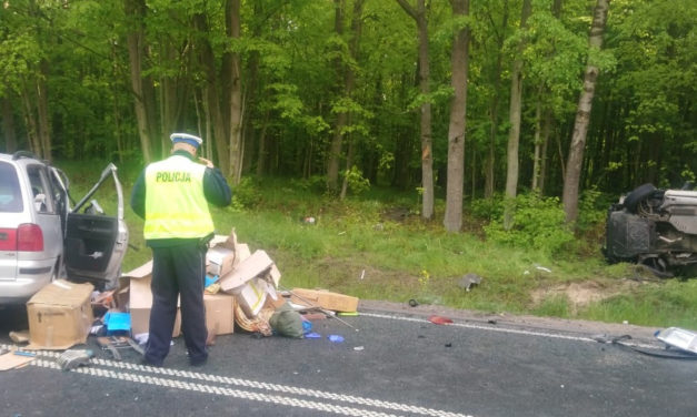 Nietrzeźwy kierowca spowodował wypadek.