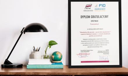 Działamy dla powiatu! Dyplom gratulacyjny dla Fundacji Pruszczanie.pl za realizację zadania publicznego