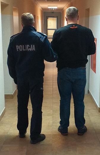 Policjanci zatrzymali mężczyznę, który przewoził ponad 2 kg narkotyków