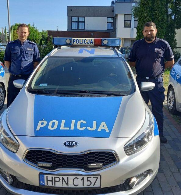 Policjanci dzielnicowi z Pruszcza Gdańskiego uratowali psa.